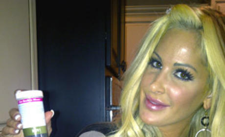 Tracy Young Stands by Kim Zolciak Pregnancy Story