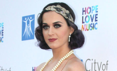 Katy Perry Goes Gatsby on Red Carpet