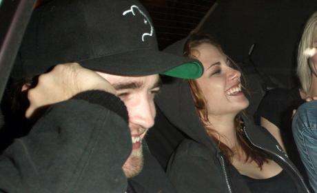 Robert Pattinson, Twilight Cast to Kristen Stewart: Happy Birthday!
