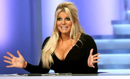Jessica Simpson, Cleavage Return to Fashion Star