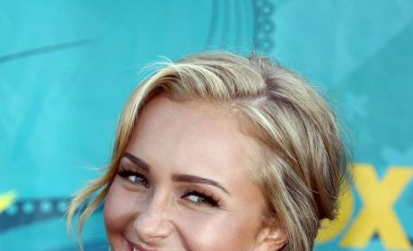 Paris Hilton Taking Hayden Panettiere Under Skanky Wing?