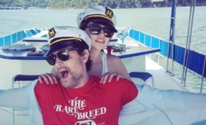 Emilia Clarke & Johnny Knoxville: Dating?!
