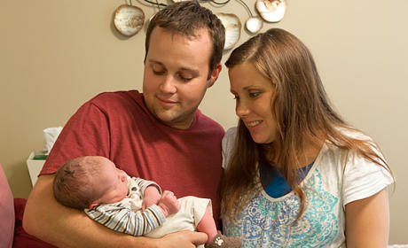 """Josh Duggar Admits to Acting """"Inexcusably,"""" Apologizes for Alleged Molestation"""