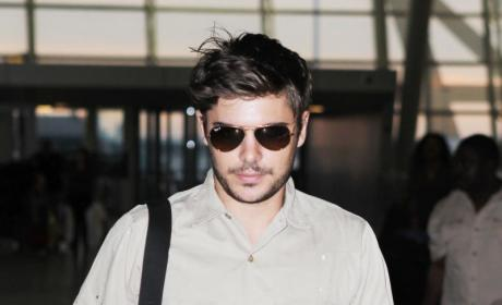 Zac Efron with Facial Hair: Yay or Nay?