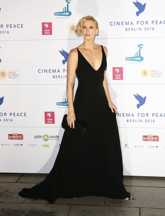 Charlize Theron Talks 30 Pound Weight Gain: I Am Very Fat ... Charlize Theron Weight