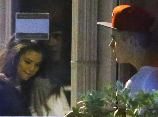 Bieber and Gomez in Miami