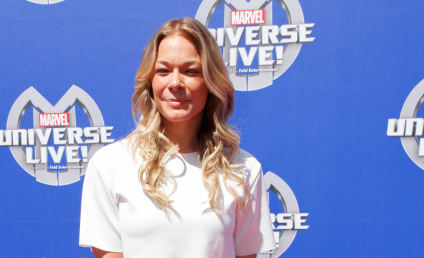 LeAnn Rimes Triggers Airplane Fire Alarm With Hair Product