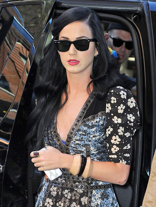 Katy Perry in Sunglasses