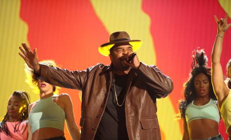 Sir Mix-a-Lot Defends Blake Lively, Big Butts Everywhere