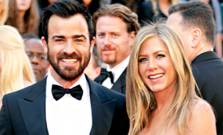 Jennifer Aniston & Justin Theroux Eat Dinner Nude, Sleep in Separate Rooms, Source Claims
