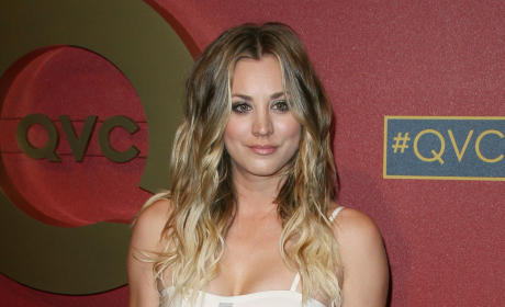 Kaley Cuoco: Red Carpet Photo