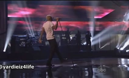 "Chris Brown AMA Performance: Taking it ""All Back"""