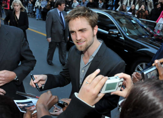 Robert Pattinson in Paris