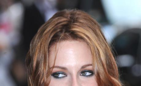 Kristen Stewart in New Movie: Threesome Participant, Voyeur, Oral Sex Aficionado