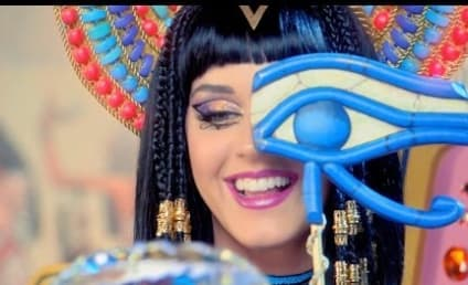 "Katy Perry ""Dark Horse"" Video: Cleopatra Meets The Hunger Games!"