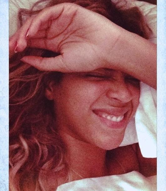 Beyonce No Makeup Selfie