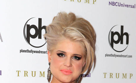Kelly Osbourne to Christina Aguilera: Eff You, Fat C*nt!