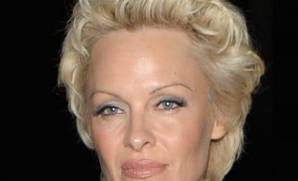 Pamela Anderson: Naked! Hepatitis-Free!
