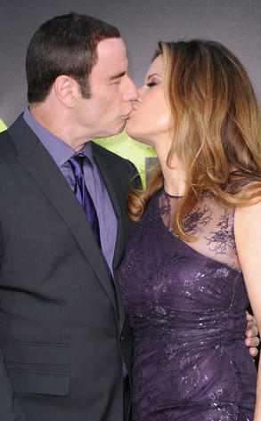 John Travolta, Kelly Preston Kiss