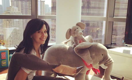 Hilaria Baldwin Does Yoga