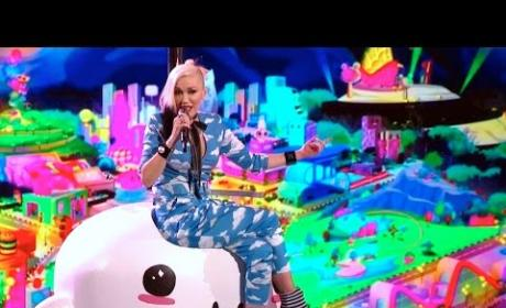 "Gwen Stefani, Pharrell Perform ""Spark the Fire"" on The Voice: Watch!"