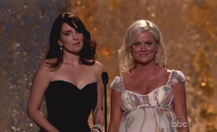 Tina Fey and Amy Poehler to Host Golden Globes