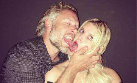 Jessica Simpson and Eric Johnson touch tongues