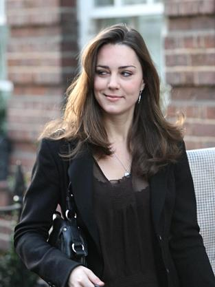 Kate Middleton Leaves Her Chelsea Flat in 2006