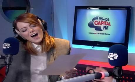 Emma Stone Talks to Sporty Spice