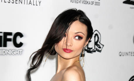 Tila Tequila Claims She Has Robot Brain, Earth is Flat in All-Time Twitter Rant