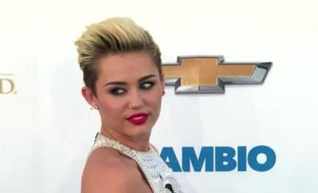 Miley Cyrus Unfollows Liam Hemsworth