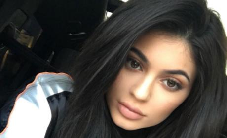 Kylie Jenner BREAKS SILENCE on Tyga Breakup Rumor!