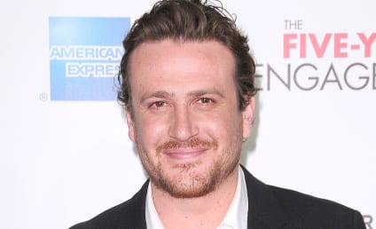Jason Segel and Michelle Williams: Total PDA Alert!