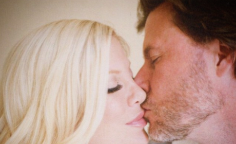Tori Spelling and Dean McDermott Celebrate Wedding Anniversary with PDA Pic, Many Hashtags