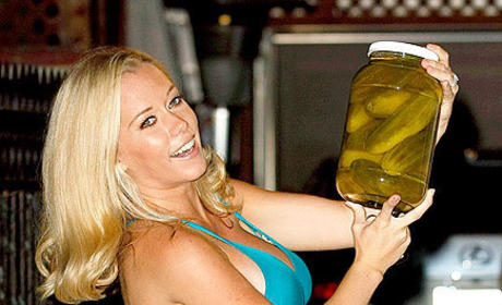 Kendra Wilkinson Enjoys Pickles, Baby Shower