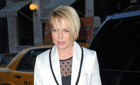 Michelle Williams Haircut: Love It or Loathe It?