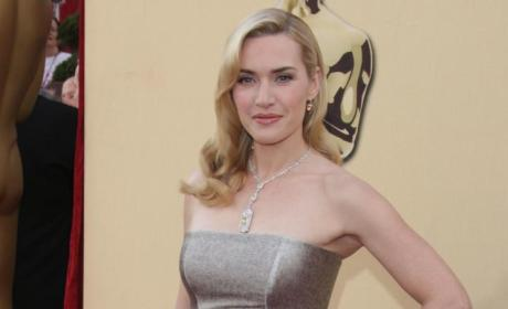Academy Awards Fashion Face-Off: Cameron Diaz vs. Kate Winslet