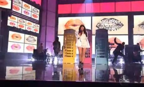 Carly Rae Jepsen American Music Awards Performance: Watch Now!