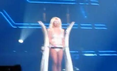Britney Spears - Piece of Me (Live)