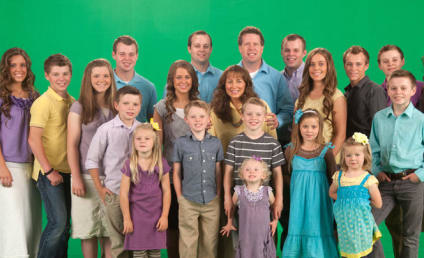 "Duggar Family Prays For Nation's ""Wicked Ways"" in Wake of Gay Marriage Ruling"