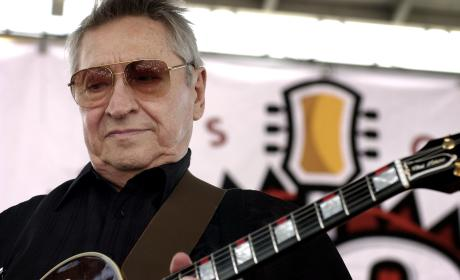 Scotty Moore Dies; Guitarist For Elvis Presley Was 84