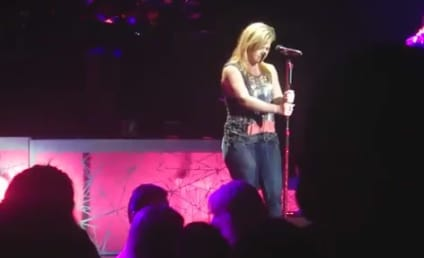 "Kelly Clarkson Tackles Gotye, ""Somebody That I Used to Know"""