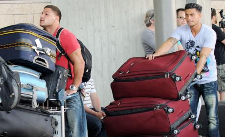 Jersey Shore Cast Arrives in Italy For Season 4