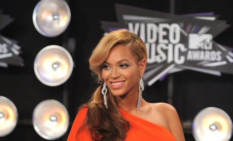 Beyonce Pregnancy Reveal Breaks Twitter Record