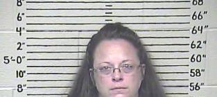 Kim Davis Goes to Jail, Stars Go to Town on Twitter