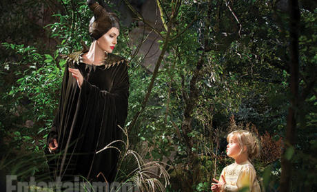 Angelina Jolie, Vivienne Jolie-Pitt in Maleficent Photo: First Look at Mother & Daughter!