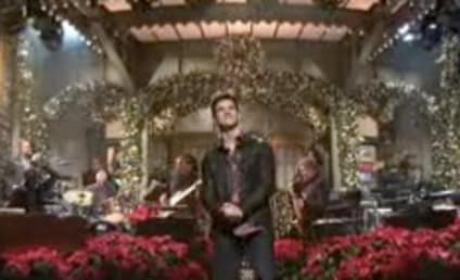 Taylor Lautner Beheads Kanye West to Open Saturday Night Live