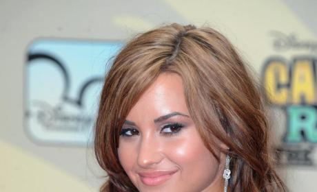 Demi Lovato: Back to Brunette