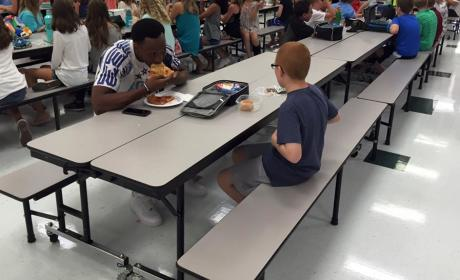 Travis Rudolph: FSU Star Eats Lunch With Lonely Autistic Student