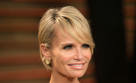 Kristin Chenoweth Hints at Serious Illness, Asks for Prayers